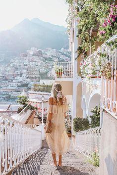 Limonchello-colored dress | Positano