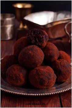 Kulki czekoladowe z figami #healthy Protein Bars, Cookies, Ethnic Recipes, Food, Quest Protein Bars, Crack Crackers, Biscuits, Essen, Meals