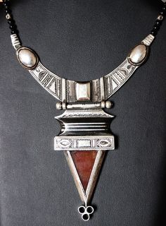 Antique Tuareg Pure Silver Necklace with Agath Telhakimt RARE