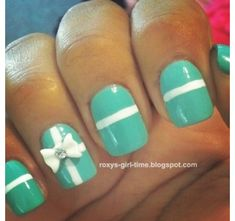 This would be cute if done in holiday colors for Christmas | See more at http://www.nailsss.com/...