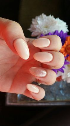 Nude oval nail