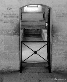 cripta de Victor Hugo, Emile Zola e Alexandre Dumas