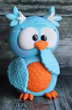 3D Owl Cake  ( think I can use my 3D teddy bear cake pan to make it out of.