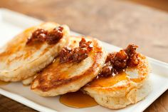 What could be better for breakfast than crumpets with a sweet-savory syrup?