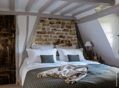 Petite chaumière normande : la tradition du sol au plafond