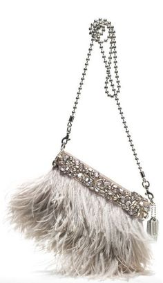 Low cost real Coach handbags, all models of Coach purses and handbags at cheap rates. Shop many brands of designer purses and handbags at cheap prices. Coach Purses, Coach Bags, Fashion Bags, Fashion Accessories, Fashion Plates, Sac Week End, Jessica Parker, Cheap Coach, Beautiful Bags