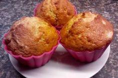 Jak na nejjednodušší vanilkové muffiny s tvarohem   recept Keto Recipes, Dessert Recipes, Desserts, Cheesecake Pops, Yummy Mummy, Love Food, Food Photography, Food Porn, Baking