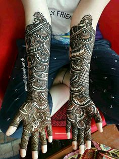 Best 11 Mehndi henna designs are always searchable by Pakistani women and girls. Women, girls and also kids apply henna on their hands, feet and also on neck to look more gorgeous and traditional. Indian Henna Designs, Floral Henna Designs, Latest Bridal Mehndi Designs, Full Hand Mehndi Designs, Mehndi Designs 2018, Henna Art Designs, Mehndi Designs For Beginners, Mehndi Designs For Girls, Mehndi Design Photos
