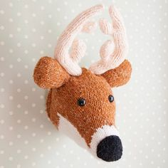 Deer Head - Hand Knitted to Order Faux Taxidermy Wall Piece GBP) by sincerelylouise Beginner Knitting Patterns, Crochet Toys Patterns, Stuffed Toys Patterns, Hand Knitting, Cute Crafts, Yarn Crafts, Yarn Inspiration, Faux Taxidermy, Knitted Animals