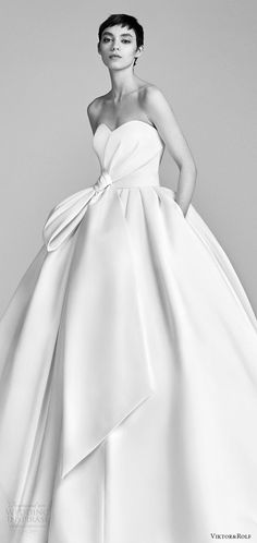 viktor and rolf spring 2018 bridal strapless sweetheart bow waist ball gown wedding dress (9) zv pocket train romantic modern -- #wedding #bridal #weddingdress #romantic #ballgown