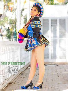 Carnival Dancers, Carnival Girl, Carnival Festival, Latin Women, Showgirls, Sexy Dresses, Cool Girl, Bikini Tops, Nutty Buddy