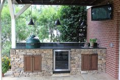 23 new ideas outdoor patio kitchen bbq big green eggs Outdoor Kitchen Countertops, Patio Kitchen, Stone Kitchen, Summer Kitchen, Outdoor Kitchen Design, Outdoor Kitchens, Kitchen Island, Kitchen Wood, Bbq Island