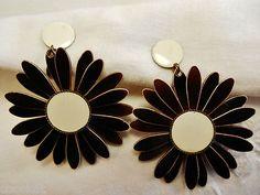 Vintage 60's 70's Earrings Daisy Flower Power Brown Clip On Dangle Retro