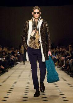 The Spell Of Fashion: Burberry Prorsum A/W15 Menswear  http://themariopersonalshopper.blogspot.com.es/2015/01/burberry-prorsum-aw15-menswear.html