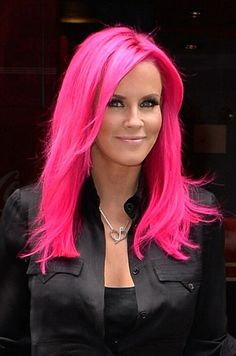 """The ever-gorgeous American model, activist and singer, and mother-of-one 'Jenny McCarthy' is a real inspiration for short hairs.Read More """"Jenny Mccarthy Hairstyles"""" Bright Pink Hair, Hot Pink Hair, Hair Color Pink, Magenta Hair, Jenny Mccarthy, Love Hair, Gorgeous Hair, Balayage Hair, Ombre Hair"""