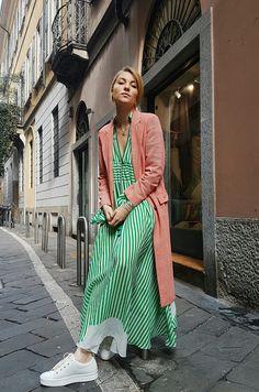 Mein Etro Look zur Fashion Week in Mailand besteht typisch aus farbenfrohem Mustermix und ist definitiv schon ein Frühlings Look. Alle Bilder zur Runway Fashion Show jetzt auf dem Blog:   http://www.blogger-bazaar.com/2017/02/25/mustermix-maestro-etro-mfw/