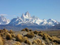Monte Fitz Roy también conocido comoEl Chaltén, ubicada entre Argentina y Chile Patagonia, Inca, Chile, Mount Everest, Mountains, Nature, Travel, South America, Continents
