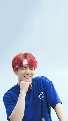 Personally I think jimin pulled the pink hair off better, but jungkook is still working it! Foto Bts, Foto Jungkook, Jungkook Cute, Jungkook Oppa, Bts Bangtan Boy, Jungkook Smile, Jung Kook, Rapper, Busan