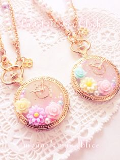 Pastel floral clock 3 [bag charm]