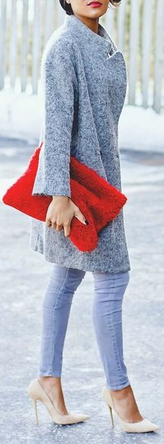 Best Street Fashion Ideas 2015. Fluffy grey coat and rec clutch. Amazing fashion idea!