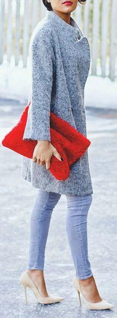 Best Street Fashion Ideas 2015. Fluffy grey coat and rec clutch. Amazing fashion idea!