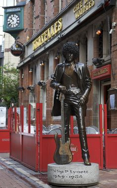 Phil Lynott, outside Bruxelles, Grafton St, Dublin