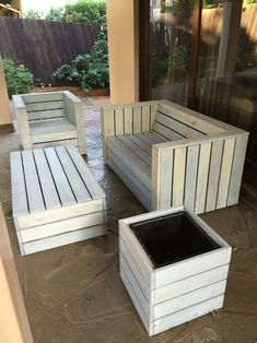Pallet wood patio furniture set (How To Build A Shed Out Of Pallets)