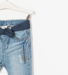 ZARA - KIDS - CROPPED JEANS WITH EMBROIDERY
