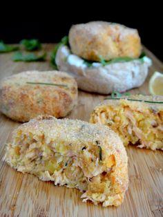 Mais uma receita do livro Cozinhar em Casa é Fácil da Lorraine Pascale.   Estes bolinhos são simples de preparar e ficam tão bons, ...