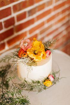 summer wedding cakes - photo by Catie Coyle Photography http://ruffledblog.com/seattle-summer-wedding-inspiration