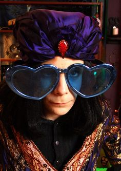 noel fielding is the love of my life English Comedy, British Comedy, Julian Barratt, The Mighty Boosh, Carnaby Street, Noel Fielding, Through Time And Space, Comedy Tv, Music People
