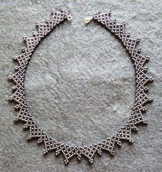 Beaded Collar, Jewerly, Jewelry Making, Diamond, Creative, Beaded Necklaces, How To Make, Jewelry Crafts, Accessories