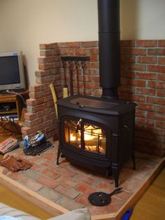 Vermont Castings Encore with nice fire