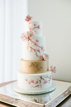 Amazing Wedding Cakes featured in Ceremony Magazine 2015 Amazing Wedding Cakes, Elegant Wedding Cakes, Elegant Cakes, Wedding Cake Designs, Amazing Cakes, Floral Wedding, Pretty Cakes, Beautiful Cakes, Fondant Cakes