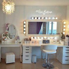 Vanity decor ideas popular of makeup room decor ideas about vanity room on vanities beauty room My New Room, My Room, Vanity Room, Vanity Mirrors, Wall Mirror, Closet Vanity, Mirror Room, Mirror Collage, Vanity Bathroom