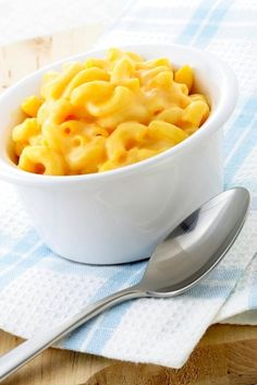 A deliciously rich and creamy vegan macaroni and cheese recipe. This dish is spot-on. Made with veggie broth, soy milk, garlic, turmeric, and vegetable oil.