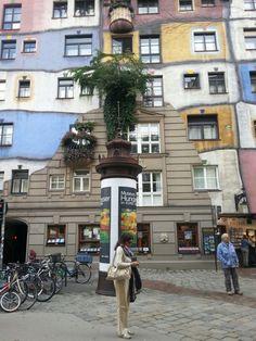 Das Hundertwasserhaus ~ Wien