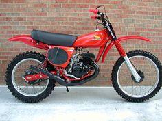 Motocross Racer, Motocross Bikes, Vintage Motocross, Tracker Motorcycle, Enduro Motorcycle, Moto Bike, Classic Honda Motorcycles, Racing Motorcycles, Vintage Motorcycles