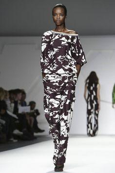 Slouchy top & pants with black & white paint splatter print // Jasper Conran S/S 2015