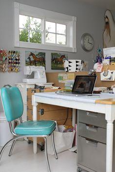 Liv McMillian's office/craft room (bethanynauert.com)