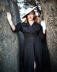Кадр из фильма Месть от кутюр (The Dressmaker 2015). #beautiful #tailoring #retrostyle #vintage  Кадр из фильма Месть от кутюр (The Dressmaker 2015). #beautiful #tailoring #retrostyle #vintage #ручнаяработа #сермонета #sermoneta #bespoke #inspiration #bevintage #sermonetarussia #retrogloves #Vogue #retroelegance #vintagegloves #voguestyle #sermonetagloves #gloves #ретро #elegance #charm #handmade #винтаж #luxury #перчатки #vintageclothing #vintageshop #винтажныйстиль #винтажнаяодежда… Fashion Tv, 1950s Fashion, Vintage Fashion, Fashion Movies, Vintage Shop, Mode Vintage, The Dressmaker Movie, Friedrich Dürrenmatt, Woman Movie