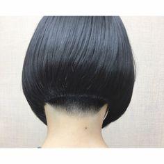 ある日の女の子 大迫にも攻めてる子が来ると 『よし!』てなります(笑) 写真撮らせてくれてありがとう御座います 綺麗な髪の持ち主です✨ #刈り上げ女子 #前下がりボブ #bob #hairstyle #haircut #shorthair #ツーブロック#グラデーションで刈り上げて#オーバーは被せません#襟足に生えグセあり#ややくせ毛#ストレートアイロン仕上げ #ツヤツヤ#バリカン不使用 #美容師#撮影モデル募集 #クリエイティブモデル募集 #tokyo →#iwate #edogawaku →#hanamaki #nishikasai →#ohasama @air_hairmake →#佐々木美容院