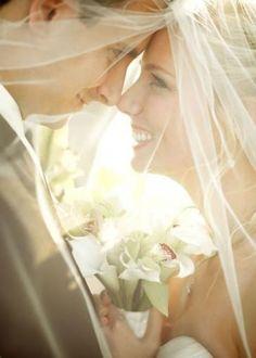 10 fotos que te arrepentirás si no te tomas con tu esposo el día de la boda
