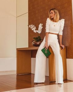 Palazzo Pants Outfit For Work. 14 Budget Palazzo Pant Outfits for Work You Should Try. Palazzo pants for fall casual and boho print. White Outfits, Classy Outfits, Trendy Outfits, Mode Outfits, Office Outfits, Fiesta Outfit, Fashion Mode, Professional Outfits, Elegant Outfit