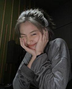 Korean Girl Photo, Cute Korean Girl, Gogo Tomago, Ulzzang Korean Girl, Girly, Cute Girl Face, Selfie Poses, Jennie Blackpink, Girl Photography Poses