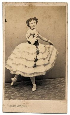 Lovely-CDV-Italian-Theatre-Unidentified-young-ballet-dancer-1860c-Laisne-S497