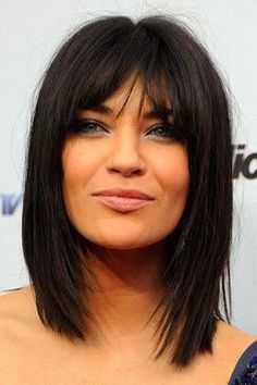 If you have straight short hair, and want to change style, we highly recommend these short straight hairstyles with bangs, and get a new charming look. Adding some little highlights to your hair and create a different beautiful look. Thin Hair Haircuts, Hairstyles With Bangs, Straight Hairstyles, Short Haircuts, Hairstyles Pictures, Black Hairstyles, Bangs Hairstyle, Layered Hairstyles, Elegant Hairstyles