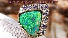Reversnadel / Krawattennadel mit Black Crystal Opal u. Diamanten
