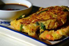 un-traditional vegan japanese-okonomiyaki Japanese Dishes, Japanese Pancake, Japanese Recipes, Japanese Food, Vegetable Recipes, Vegetarian Recipes, Healthy Eating Meal Plan, Healthy Meals, Veggie Patties