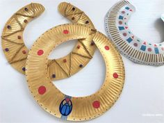 Making the Cleopatra necklace a really pharaoh necklace - Making the Cleopatra necklace a really pharaoh necklace Making the Cleopatra necklace a really pharaoh necklace Egyptian Crafts, Egyptian Party, Egyptian Costume, Ancient Egyptian Art, Ancient Egypt Activities, Ancient Egypt Crafts, Diy For Kids, Crafts For Kids, Aladin